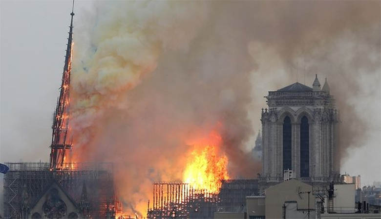 Παναγία των Παρισίων, η μεγάλη φωτιά.