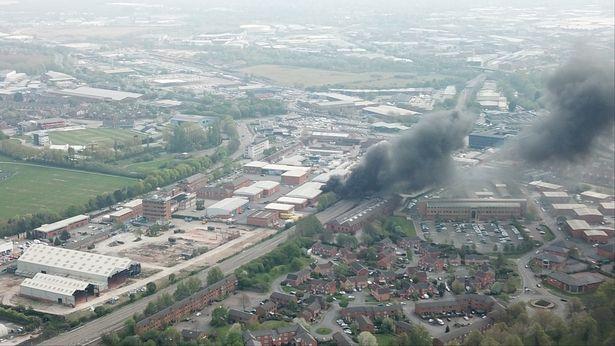 derby england explosions 02 - Ανεπάλληλες εκρήξεις στο Ντέρμπι της Αγγλίας