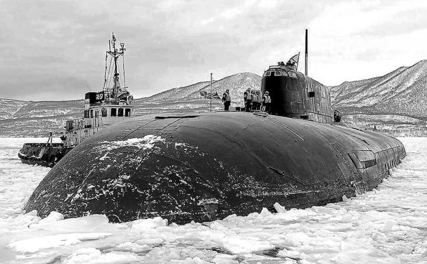 A Grave Under the Sea The 118 Crew Members of the Russian Submarine Kursk Died Because of a Fatal Chain of Technical and Human Errors - Κορονοϊος : Όλη η αλήθεια που δεν θα σας πούνε στα συστημικά ΜΜΕ